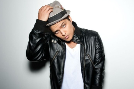 Bruno Mars takes UK top spot
