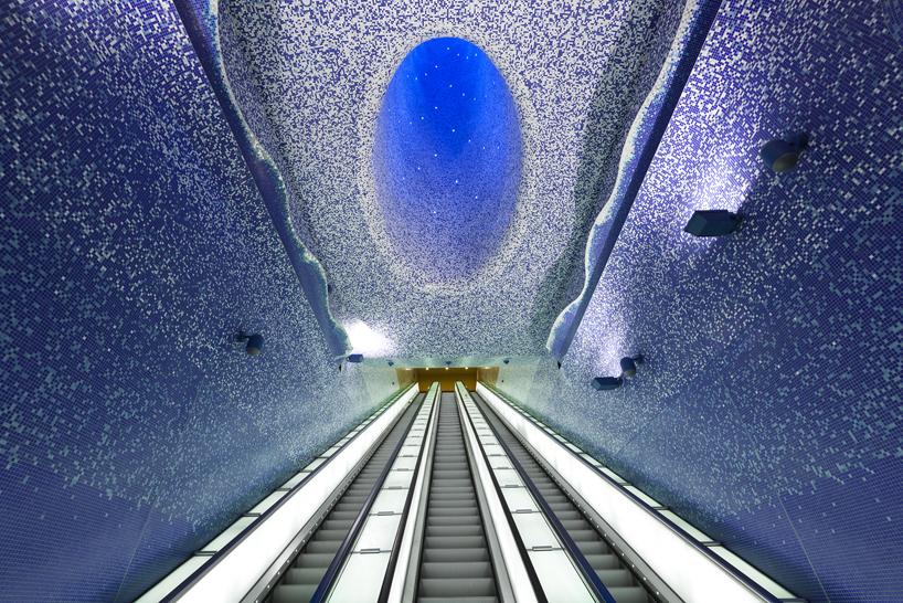 toledo metro station napoli_02