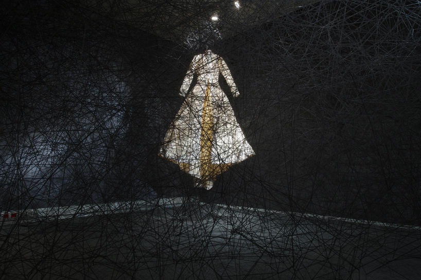 chiharu shiota synchronizing strings and rhizomes_01