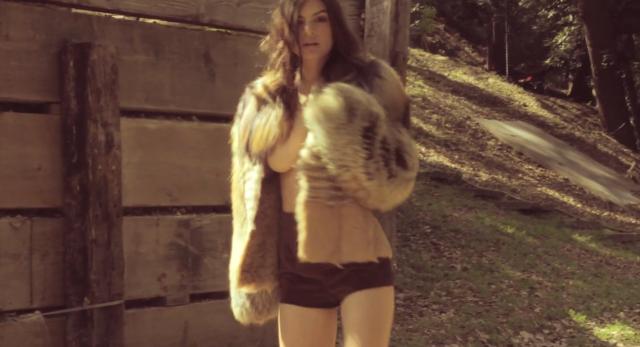 Emily Ratajkowski - Galore Magazine_14