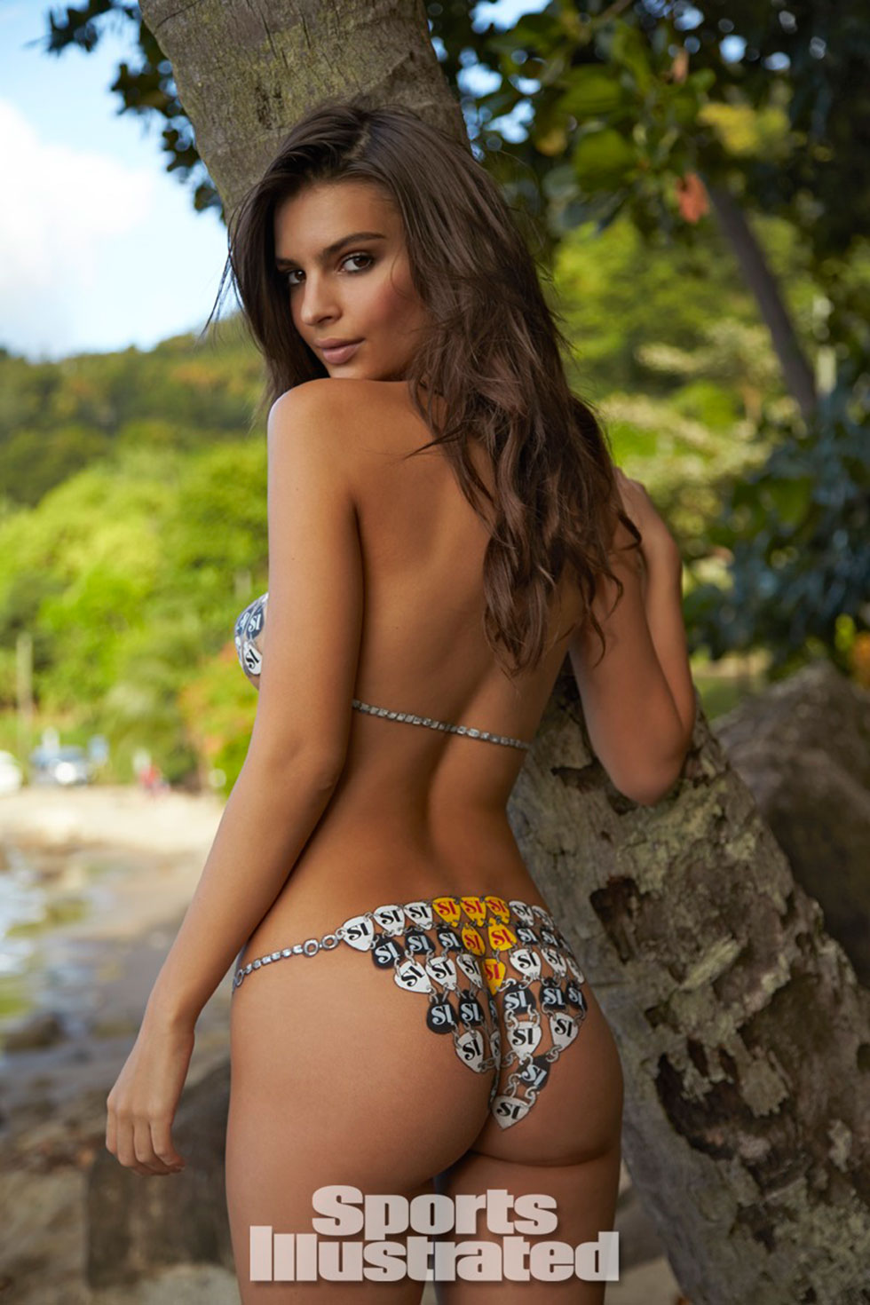 Emily-Ratajkowski-for-Sports-Illustrated-Swimsuit-Edition-2014_03