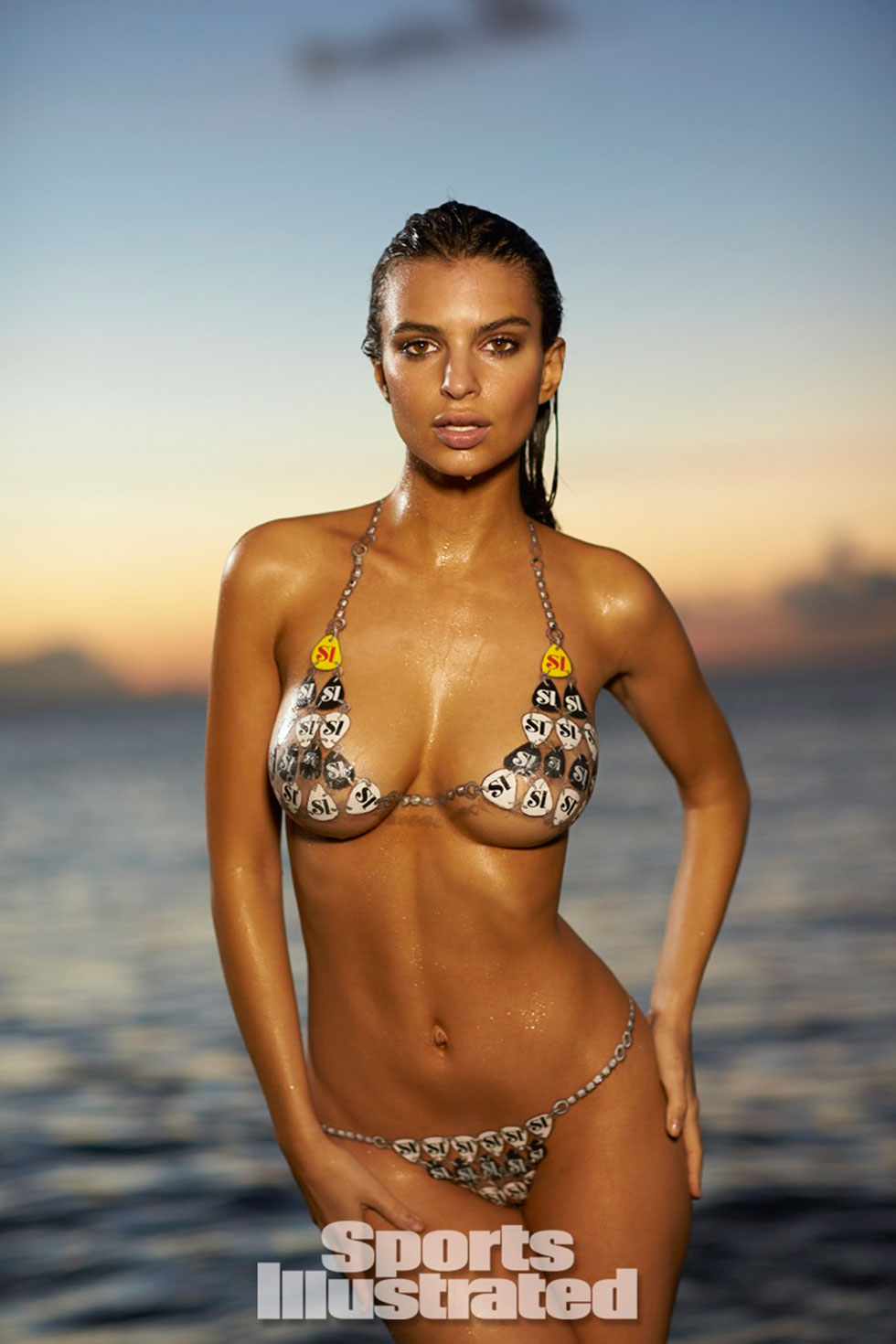Emily-Ratajkowski-for-Sports-Illustrated-Swimsuit-Edition-2014_09