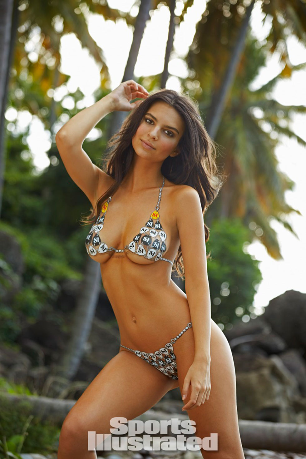 Emily-Ratajkowski-for-Sports-Illustrated-Swimsuit-Edition-2014_10