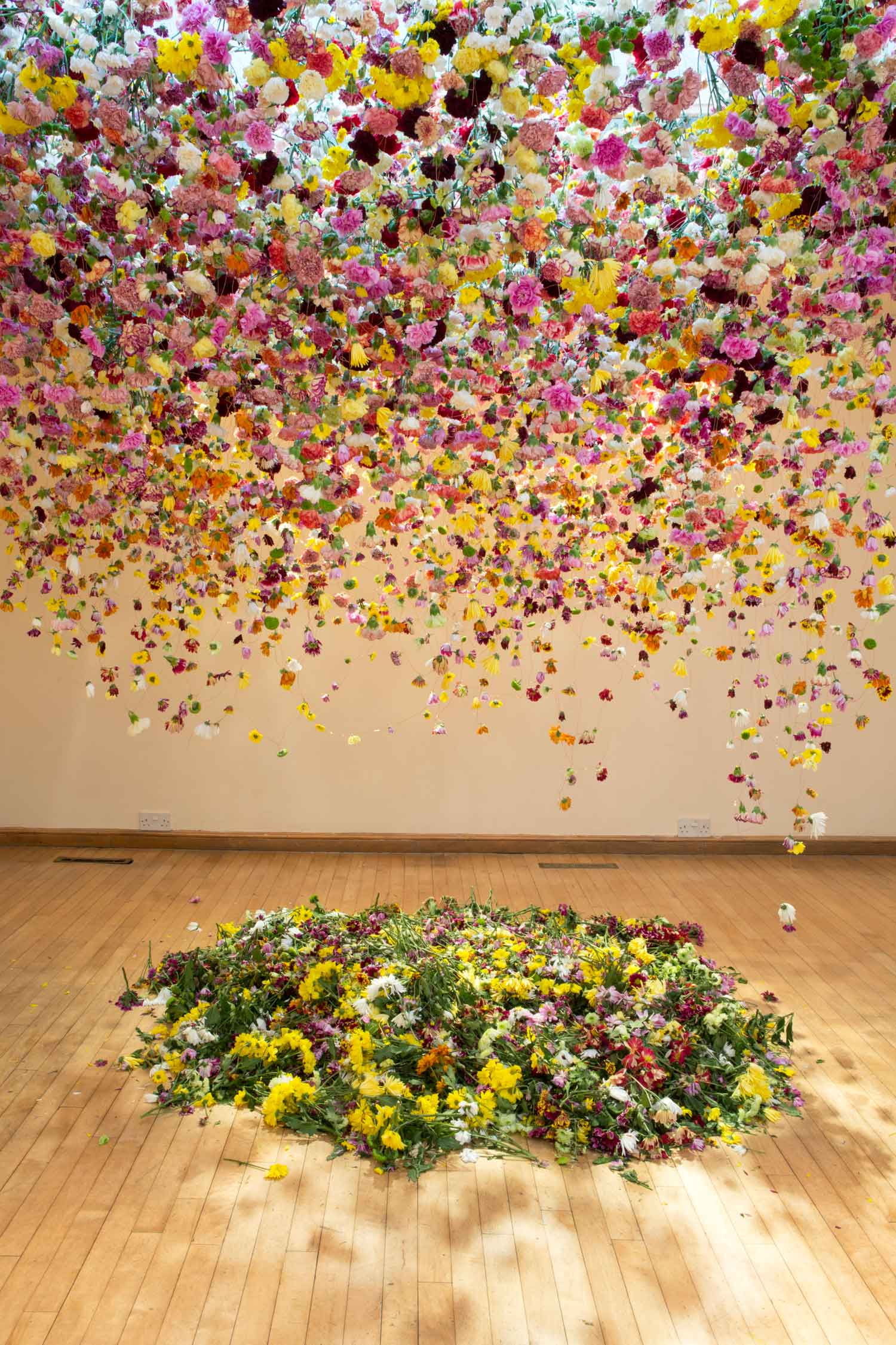 Rebecca Louise Law Suspended Floral Installations_03