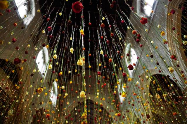 Rebecca Louise Law Suspended Floral Installations_05